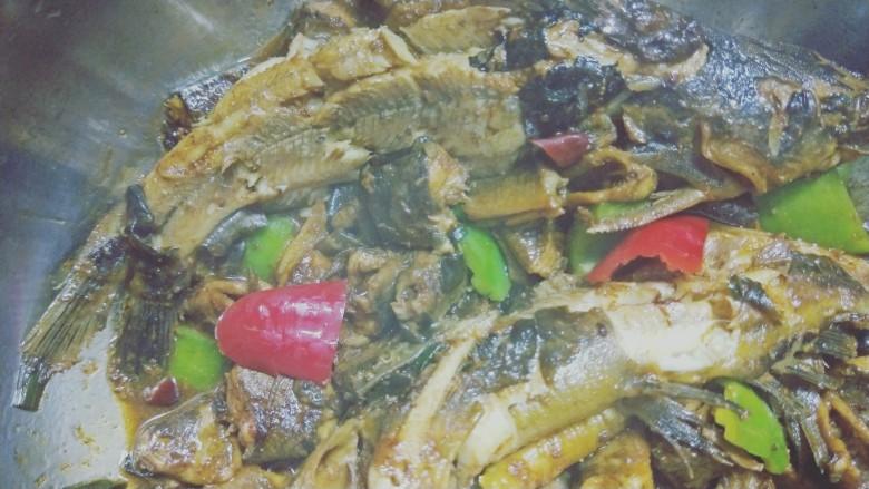 红烧泥鳅鲢胡,可口的泥鳅鲢胡就出锅了