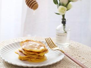 黄灿灿的奶香南瓜饼,你感受到春的气息了吗?,成品图