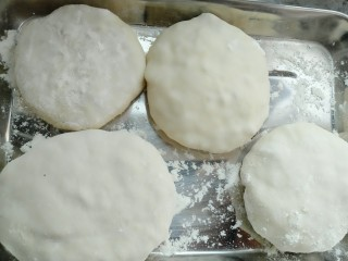 木耳包菜煎饼,把所有团子包成饼