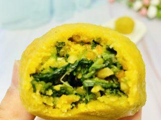 玉米面菜团子,咬一口 薄薄皮 鲜香馅料 美美哒吃了4个😋