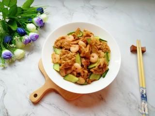 金牌虾仁面筋,用多力浓香花生油做美味佳肴,味道超赞。