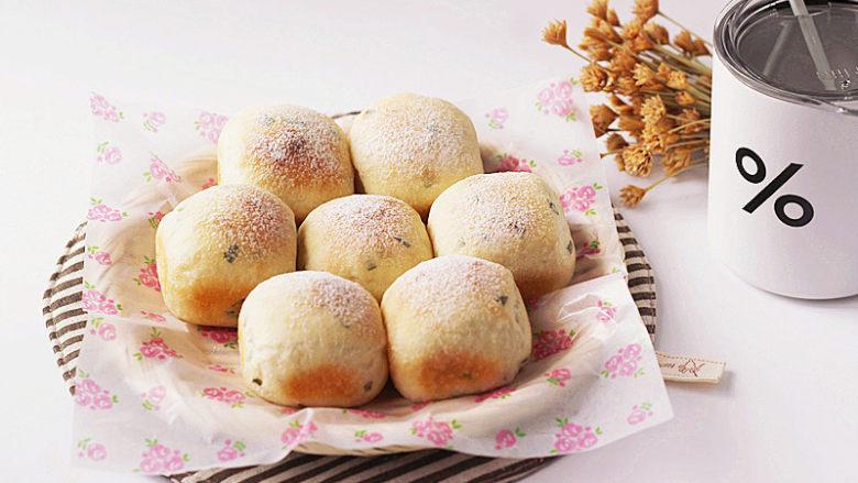 可爱滴迷你小面包~【土豆香葱餐包】
