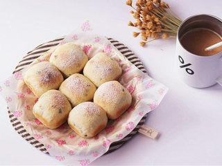 可爱滴迷你小面包~【土豆香葱餐包】,成品