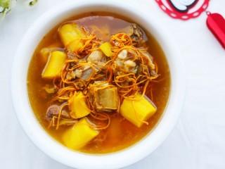 养生滋补的虫草山药排骨汤,味道太赞了!