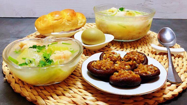 虾滑冬瓜针菇汤,搭配早餐包、鸡蛋、蒜蓉香菇一起吃就是标配早餐