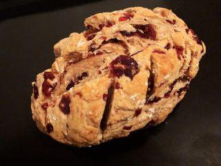 蔓越莓全麦面包,14.取出放凉