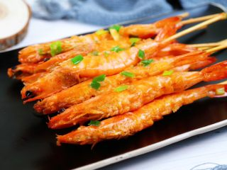 蒜蓉串串虾,装盘开吃啦
