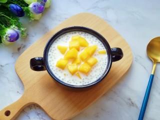 牛奶芒果西米露,成品。
