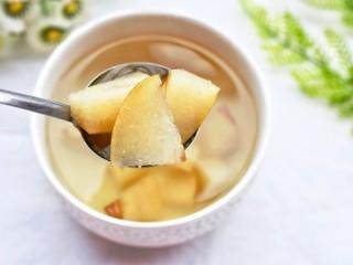 止咳化痰清热润肺的罗汉果雪梨汤,很甜!