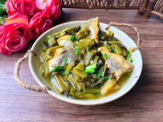 酸菜炖黄鱼,成品图二