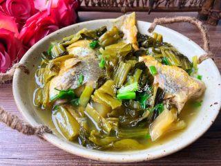 酸菜炖黄鱼,成品图一