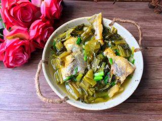 酸菜炖黄鱼,成品图三