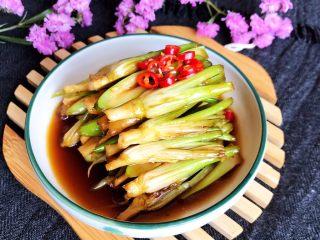 凉拌香菜根,这道凉拌香菜根非常独特,营养丰富,非常好吃的小菜~