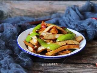 青椒炒豆干,绝对是素食主义者的首选