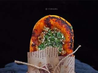 又卷烧饼(家庭版),制作出的烧饼层次分明,松软有嚼劲,让人吃了还想吃