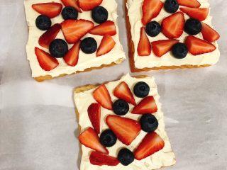 水果三明治,再铺上水果