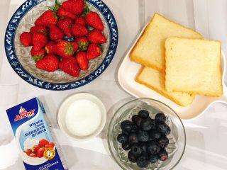 水果三明治,水果洗净沥干水分