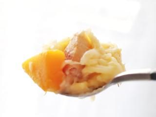 奶香南瓜鸡肉焗饭,快,趁热来一口。