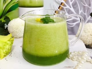 属于春天的果汁~羊角蜜香梨汁,我们的这一份健康美味的羊角蜜香梨汁就完成了