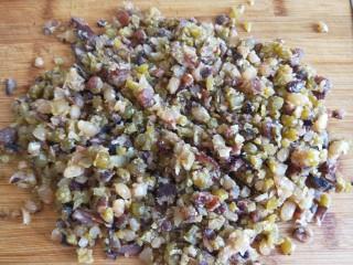山药豆沙卷,不用太碎,颗粒就可以了。