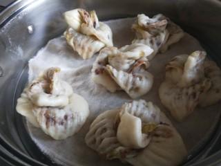 山药豆沙卷,放入蒸熟二次发酵20分钟,开火蒸15分钟即可。