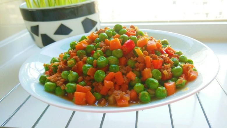 豌豆炒肉末,成品图