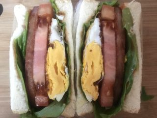 豪华三明治,料超级多