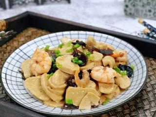 素鸡木耳炒虾仁,特别好吃,无需过多调味,味道特别好。