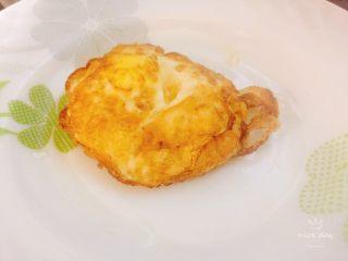 鸡蛋花样吃法+小炒荷包蛋,盛出备用