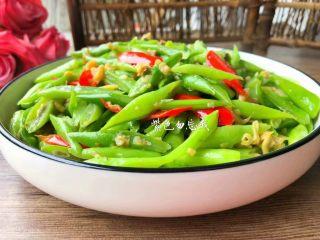 四季豆炒蛤蜊肉,好吃的蛤蜊炒四季豆做好了,特别鲜美可口,超级下饭。