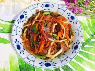 胡萝卜洋葱香干炒酱油肉