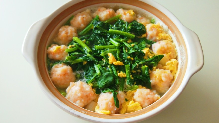 虾滑丸菠菜汤