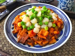 八宝辣酱,口感丰富,营养也丰富,而且吃起来很入味下饭。
