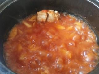 番茄小排土豆汤,咕噜咕噜咕噜…