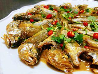 家焖黄花鱼,黄花鱼肉质鲜嫩可口入口鲜美无比
