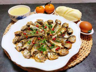 家焖黄花鱼,黄花鱼的营养十分丰富适合各类人群食用