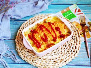 芦笋虾仁焗饭配冬阴功风味蒸烤鸡胸,淋上自己喜欢的酱汁即可。