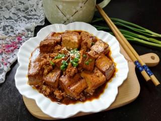 肉末豆腐,拍上成品图,一道下饭的肉末豆腐就完成了。