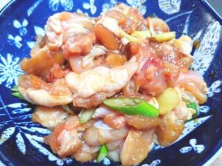 辣子鸡,搅拌均匀,腌制10分钟