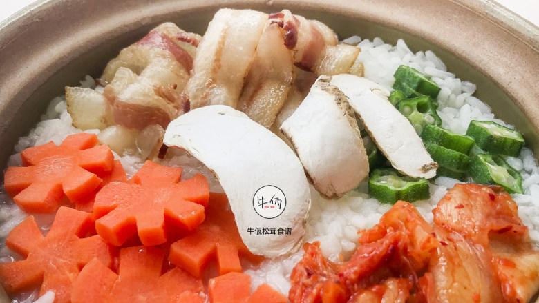 视频|松茸鸡汤泡饭|牛佤松茸食谱
