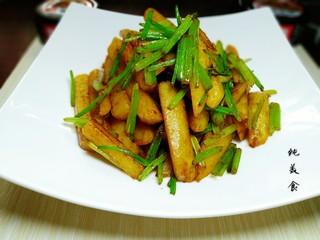 芹菜烧土豆,成品图