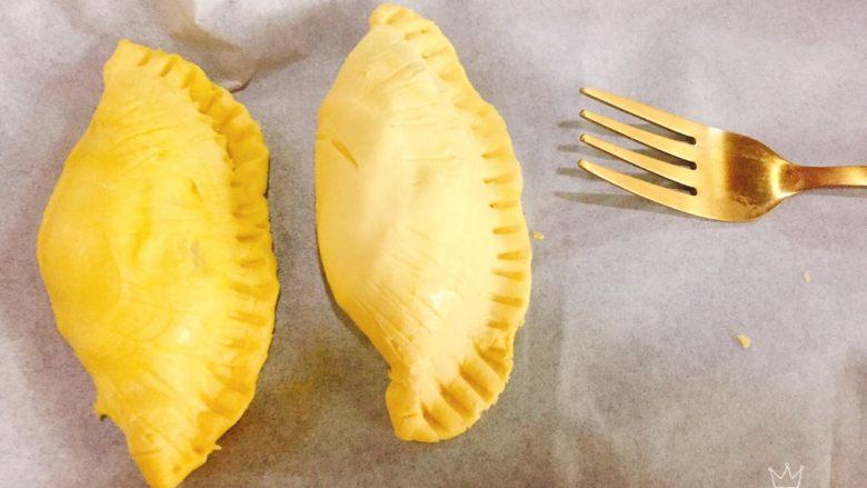 快手菠萝派+春天的味道,用叉子压边