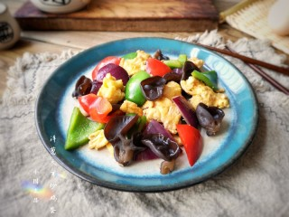 洋葱木耳炒鸡蛋#吃出好身材#,成品。