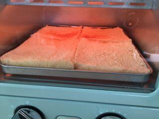 自制三明治,接着烤4片白吐司。