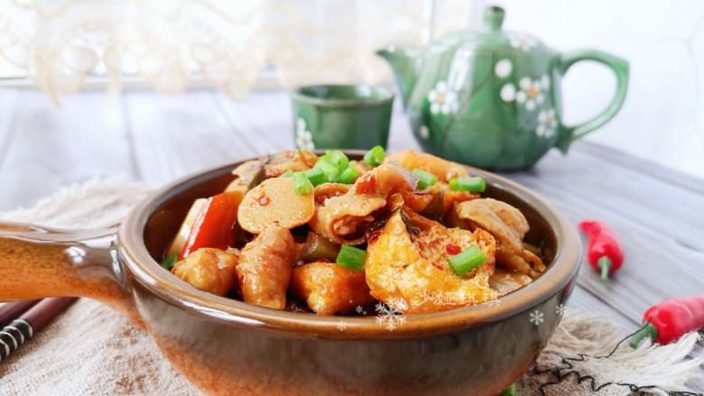 酸菜油豆腐烧肥肠
