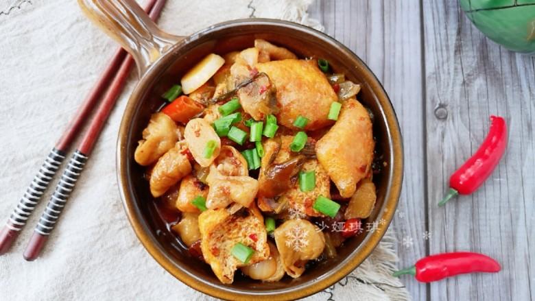 酸菜油豆腐烧肥肠,酸辣香鲜!