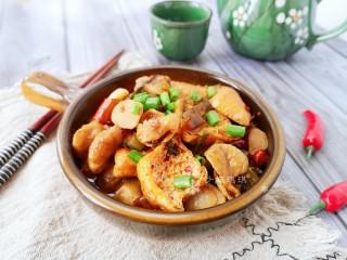 酸菜油豆腐烧肥肠,非常美味下饭!