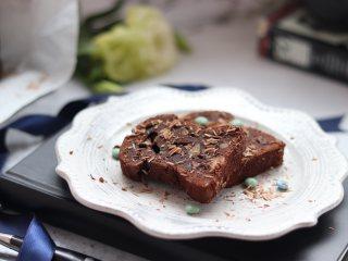 """浓郁巧克力口味的""""泥巴""""蛋糕"""