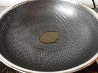 蚝油香菇,热锅