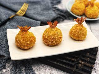 土豆凤尾虾球,摆拍下就可以开吃了。